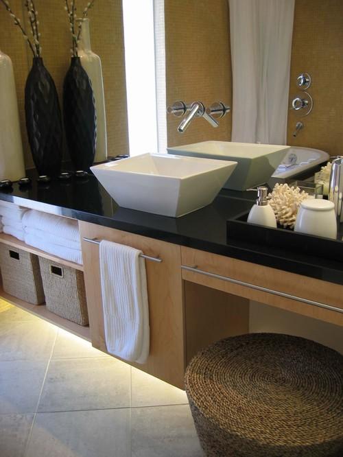 Montclair Ranch modern bathroom