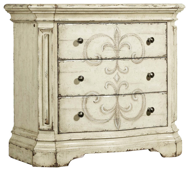 Hooker Furniture 3-Drawer Nightstand.