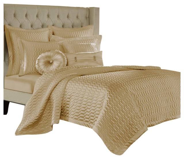 Luxury Freya Coverlet set Reversible Quilt Wrinkle Free Printed Bedspread Set
