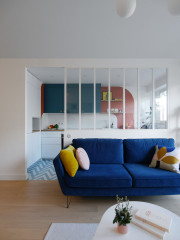 Houzz Tour: Bold Colours and Graphic Lines Lift a City Flat