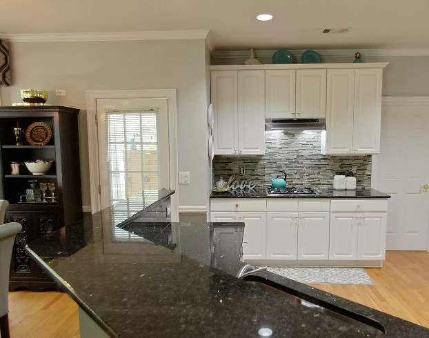 Low and high levels countertops