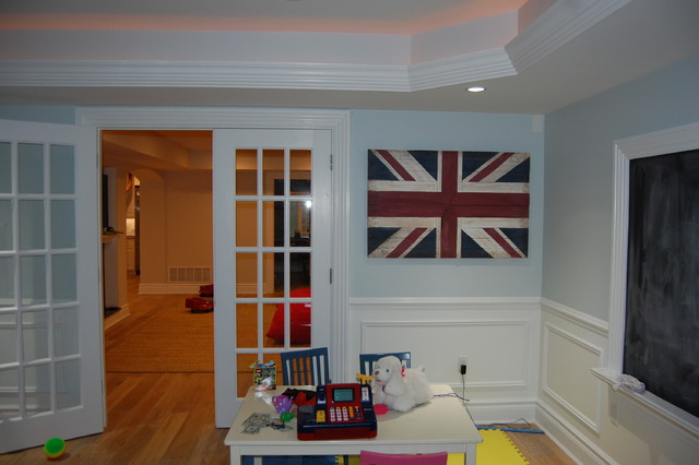 Transitional home design photo in New York