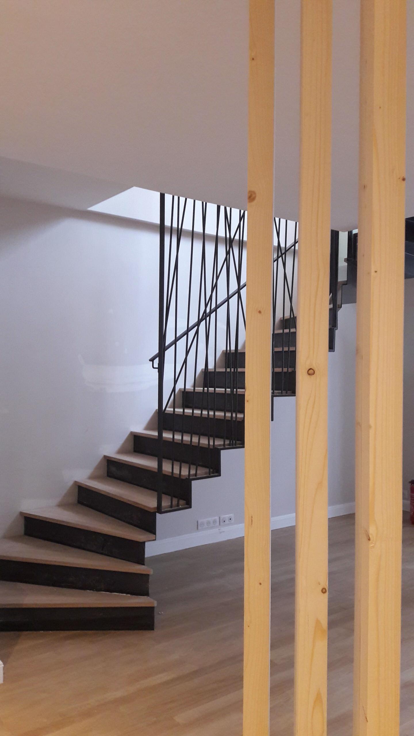 nouvel escalier / accès à la surélévation