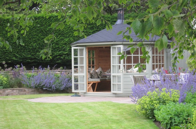 The BBQ house with Nepeta and Alchemilla mollis