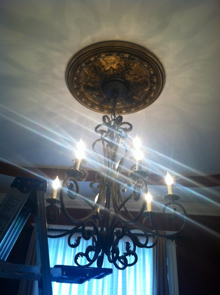 Dr. Gabe, Lighting and detail/Dining Room