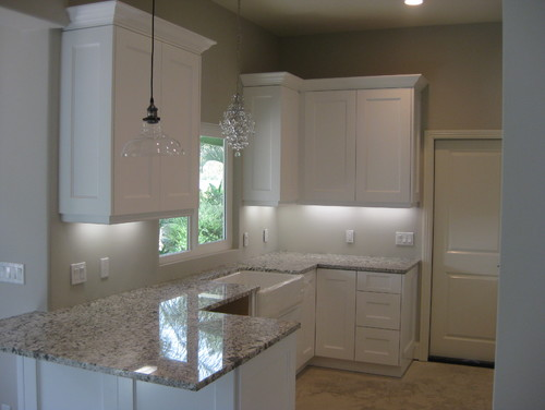 white shaker cabinets with quartz countertops. white shaker cabinets with quartz countertops