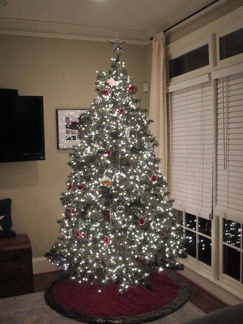 How to Put Lights on a Christmas Tree | Houzz