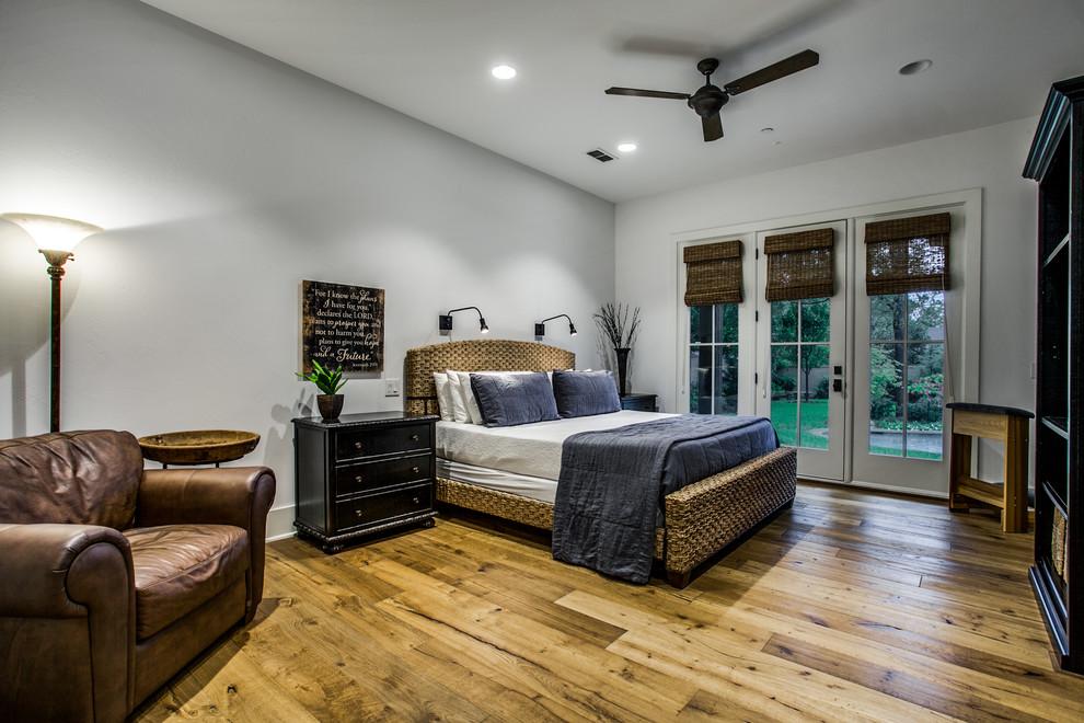Mountain style home design photo in Dallas
