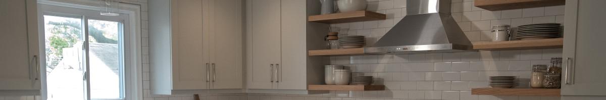 Grabill Cabinets Kitchen - Olde Towne in Custom Paint w/ Nickel Glaze & Mystic