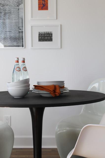 Saarinen Style Tulip Table Black Modern