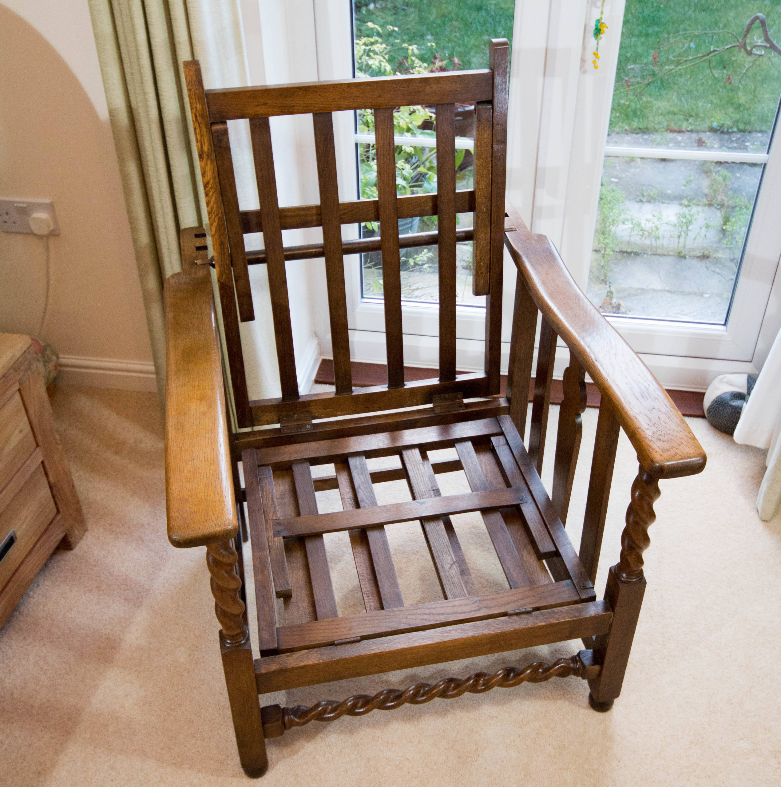 Refurbishment of Transforming mission chair