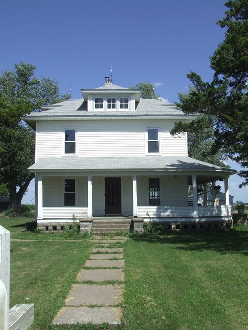 Want to keep the story true for a house built in 1910 for Need a house