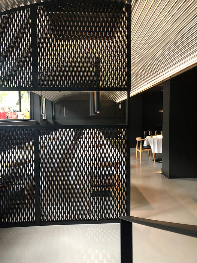 Vista general de la sala (III). Restaurante MEDEA.