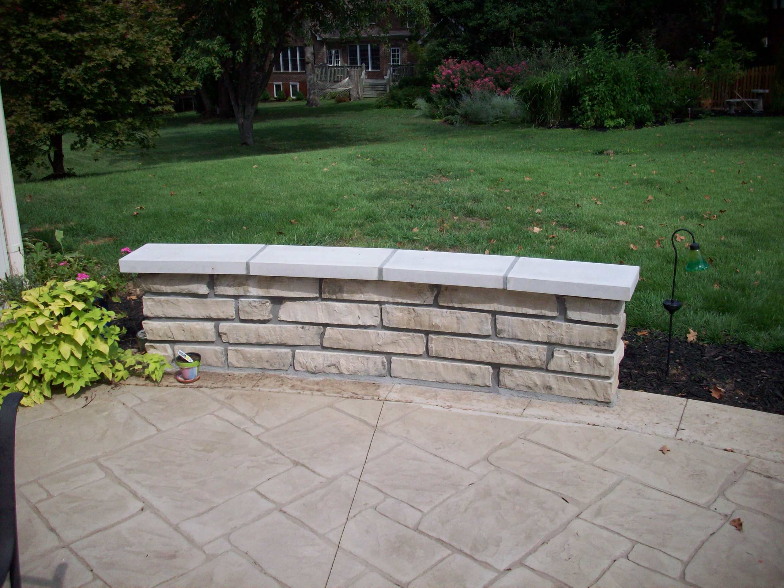 Webster Groves, Missouri Aux Vases Limestone Masonry Sitting Wall with Indiana L