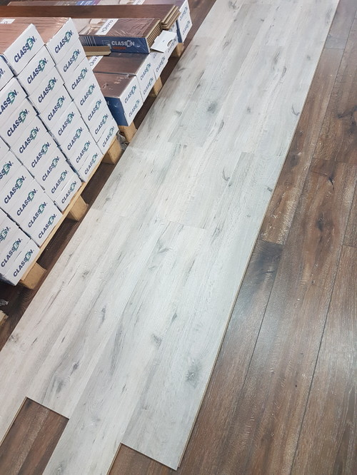 How To Design Home With This White Oak Laminat