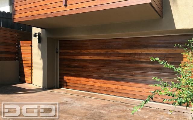 Luxury Ipe Garage Doors Gates In A Modern Architectural Design