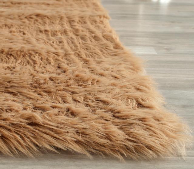 Safavieh Chatsworth Faux Sheep Rug, Camel, 5&x27;x7&x27; Rectangle.