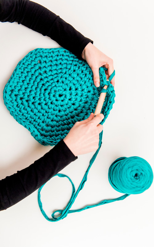 lana azul de we are knitters trapillo diariodesign