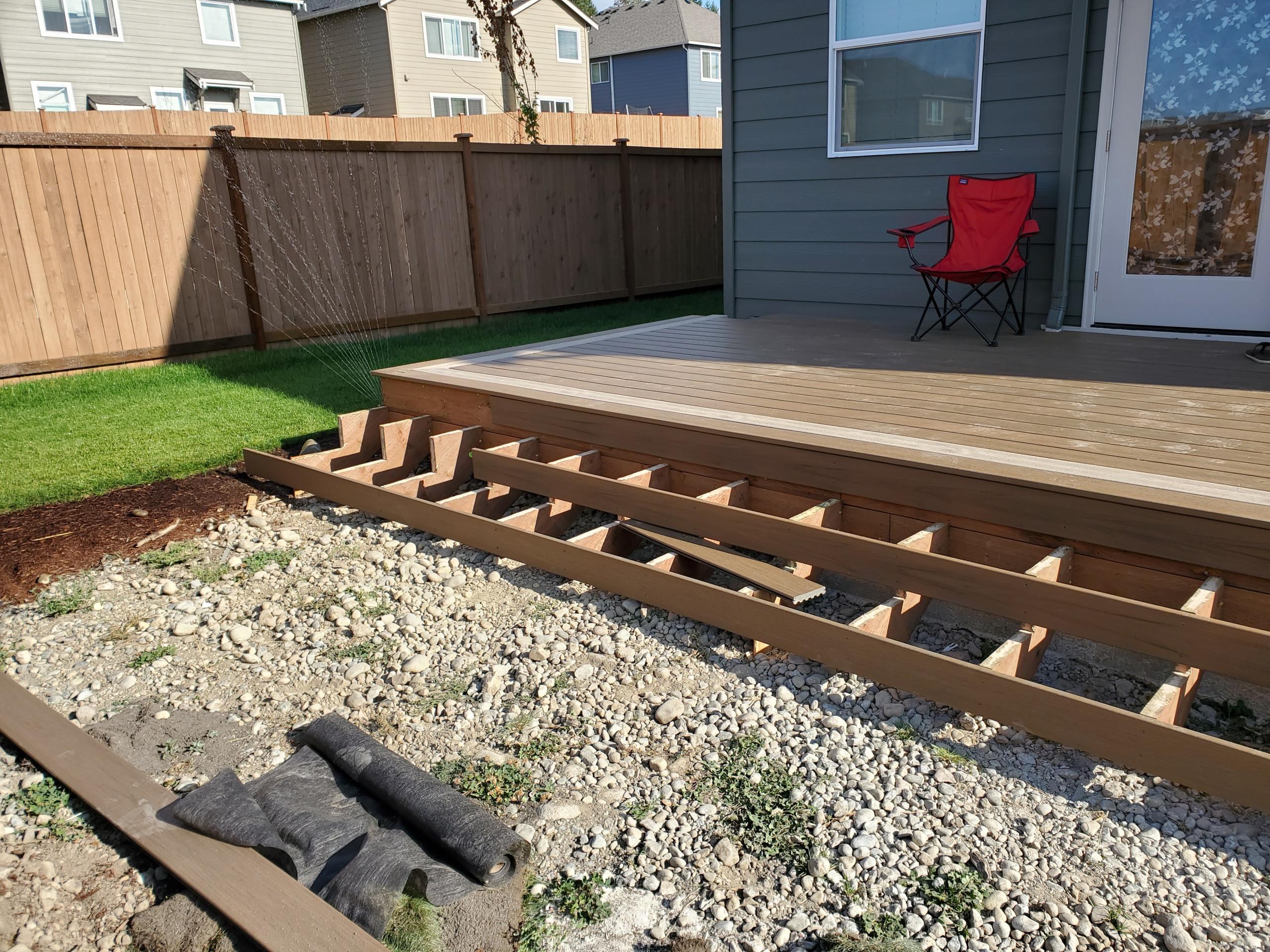 10'x20' trex deck with wrap around steps
