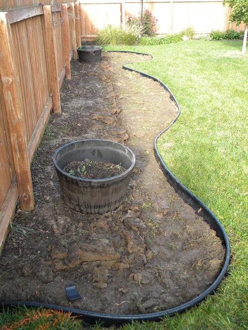 Need some design ideas for shrubs along fence - Garden ideas along fence line ...