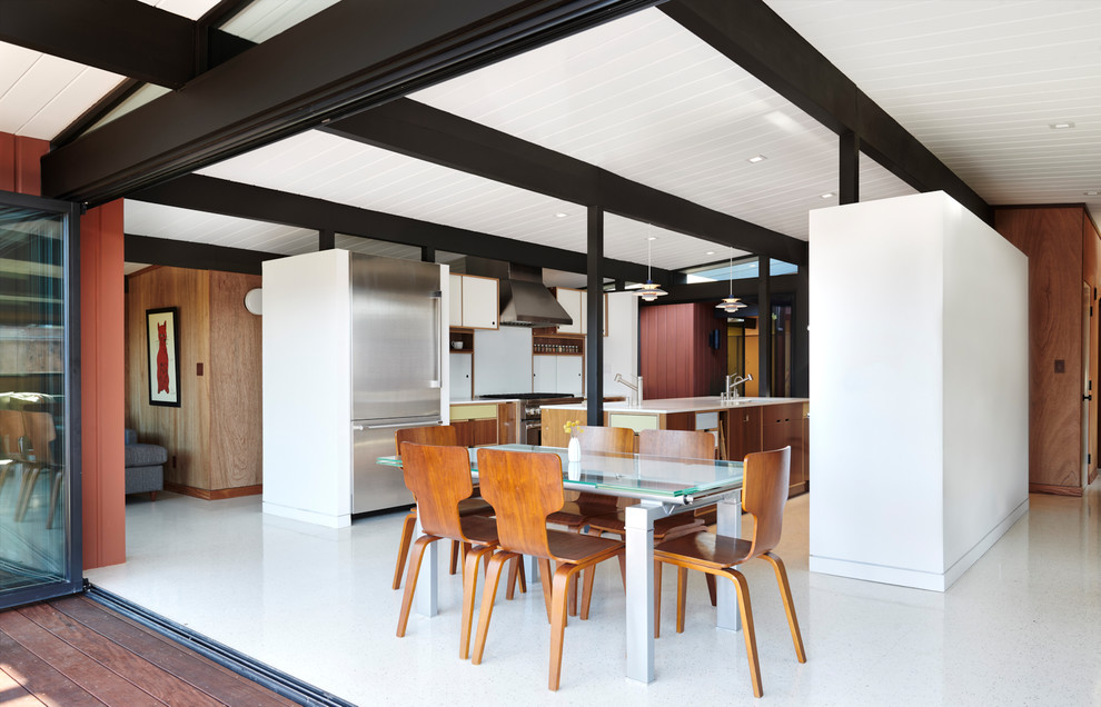 Inspiration for a mid-century modern home design remodel in San Francisco