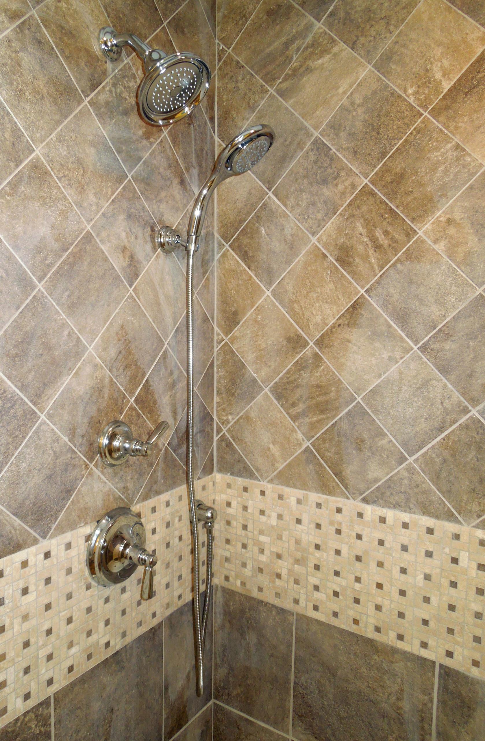 Glamorous shower details