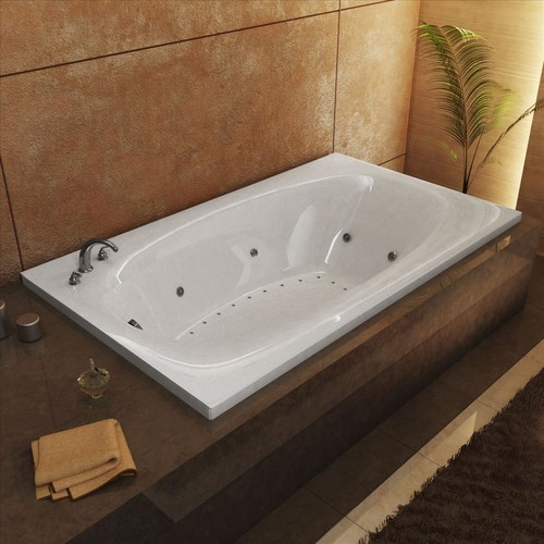 Us There A Whirlpool Tub Shower Combo?