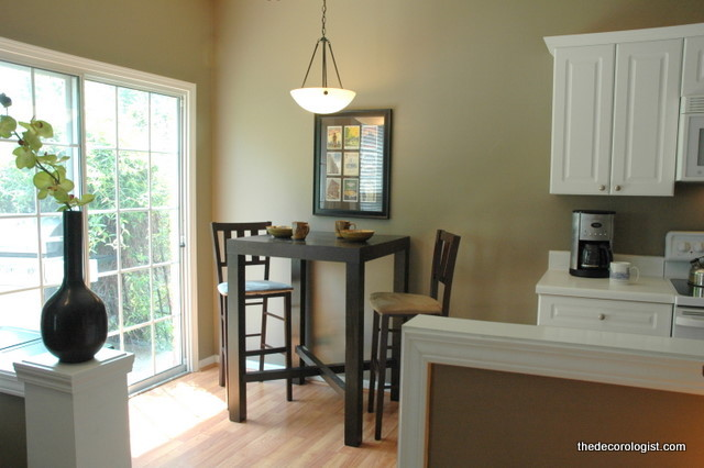 Bachelor Townhouse Transitional Dining Room
