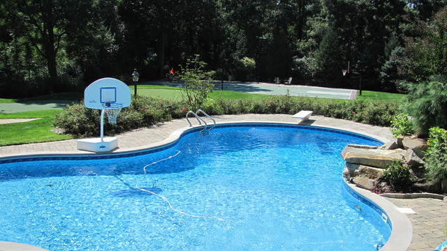 Centereach long island new york traditional pool for Pool design long island ny