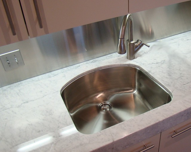 Offset Faucet With A Quot D Quot Shaped Sink