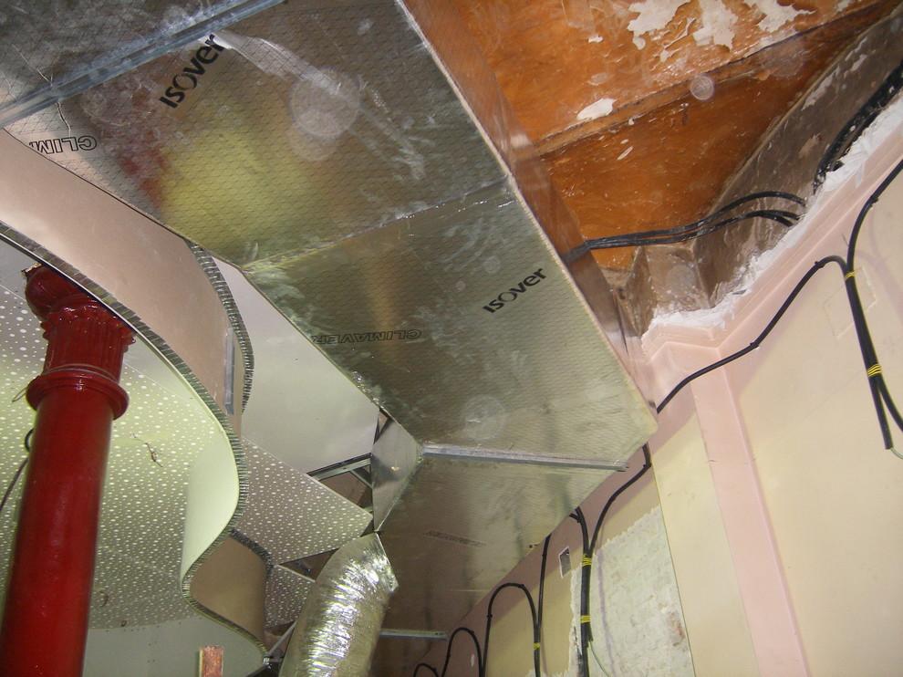 Falso techo e instalación de conductos aa