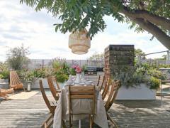 Houzz Британия: Терраса на крыше дома с деревом посередине