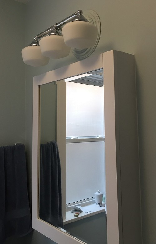 Vanity Light Over Surface Mounted Medicine Cabinet : Lighting over surface mounted medicine cabinet