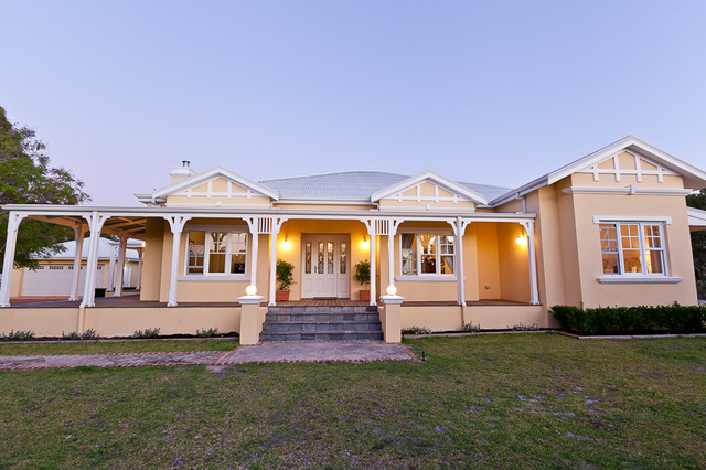 Banjup country house traditional perth by lorena for Country home designs perth