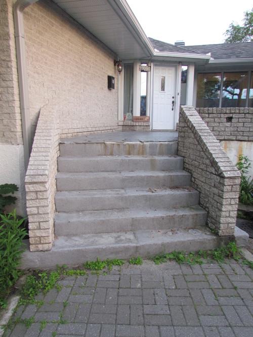 R novation de l 39 escalier de b ton de l 39 entr e et son balcon for Maison de l escalier