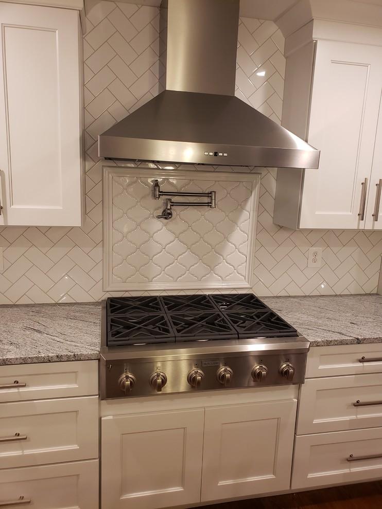 Spacious Kitchen & Family Room