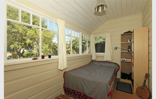Gorgeous Seaside Cottage - Realestate.co.nz