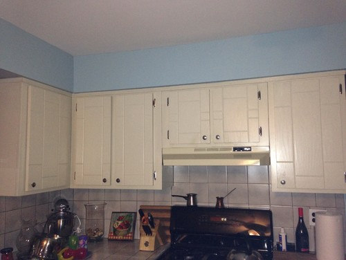 easy fix to these 70 s kitchen cabinets