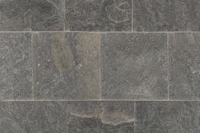 Natural Roterra Platinum Slate Tile 16 X16 Traditional Wall And