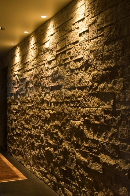 Natural Limestone Walls : Entertainment bar and wine gallery with natural limestone