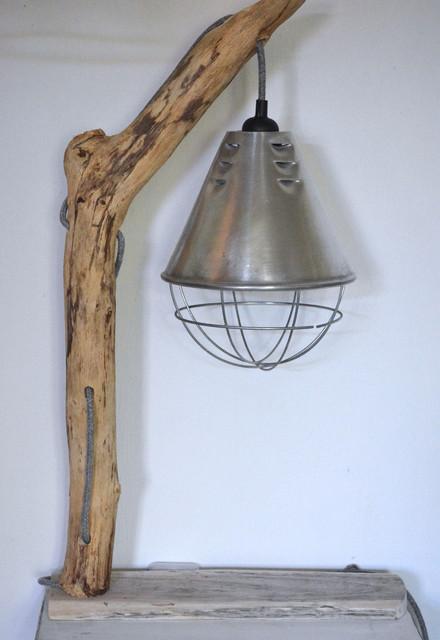 Diy Fabriquer Une Lampe A Poser En Bois Flotte