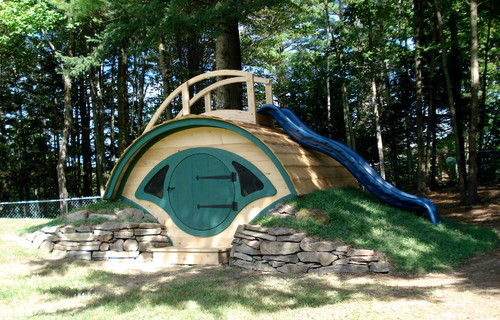 Is this largest hobbit playhouse how much what is used for Hobbit style playhouse
