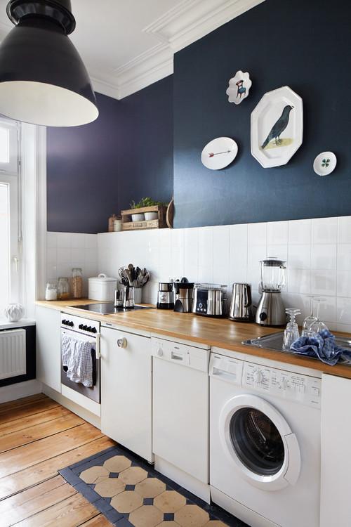 Dunkle Wände weiß streichen – mit diesen Tipps ist es ganz ...
