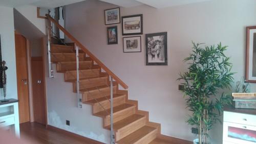 Ayuda ideas como colgar cuadros en escalera ya que no me for Cuadros para escaleras