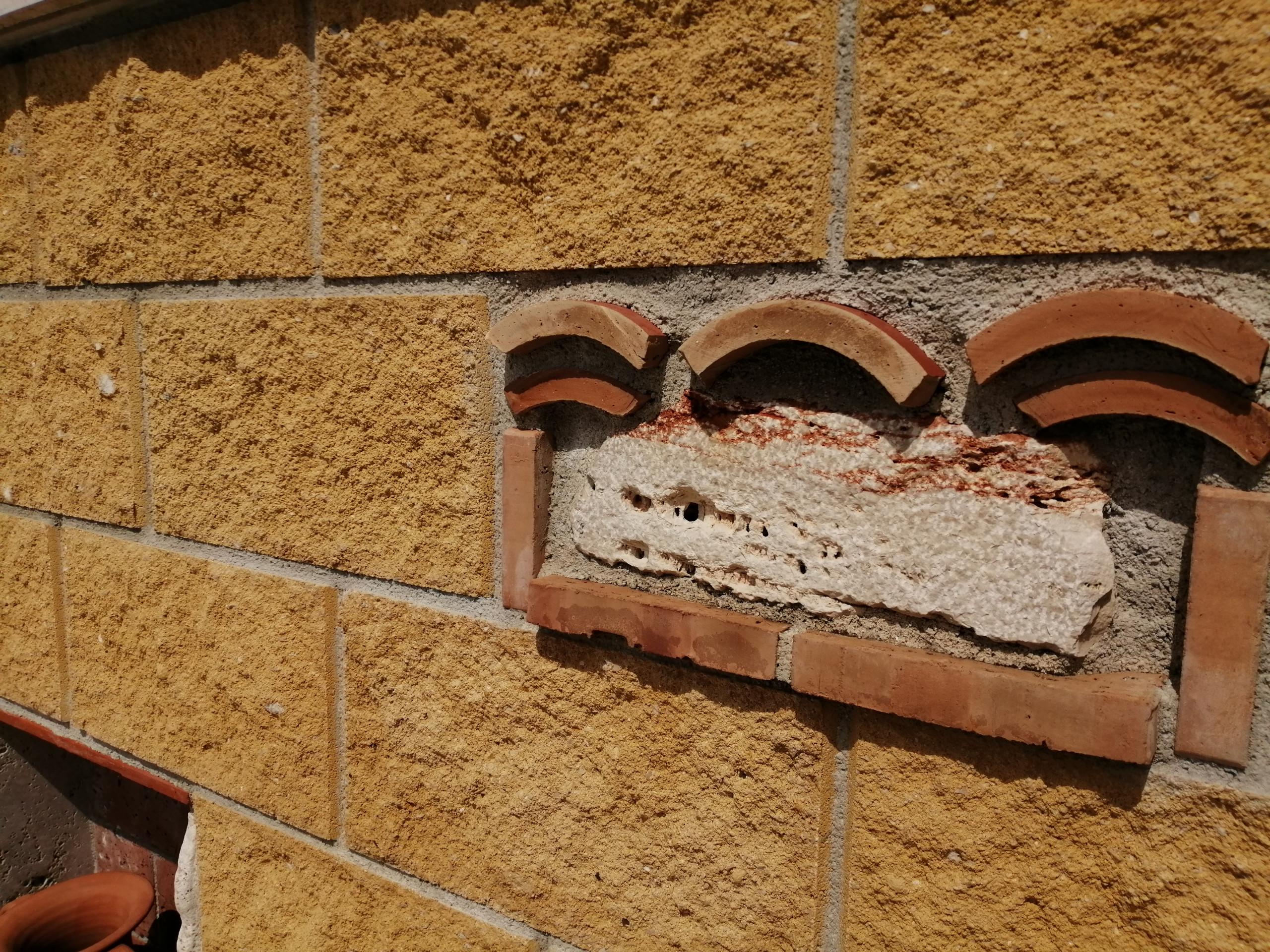 realizzazione muro di recinzione