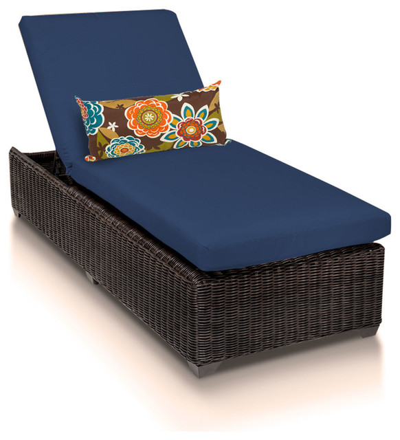 Venice Chaise Outdoor Wicker Furniture.