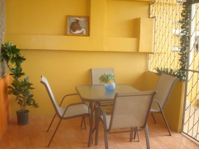 Apartment Interior Decorating Long Circular