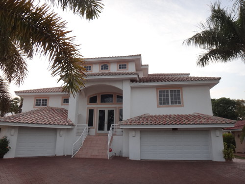 Need help choosing new exterior paint colors in Florida...