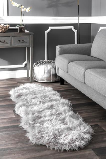 nuLOOM Solid Soft Faux Sheepskin Area Rug, Light Gray, 2'x6' Runner