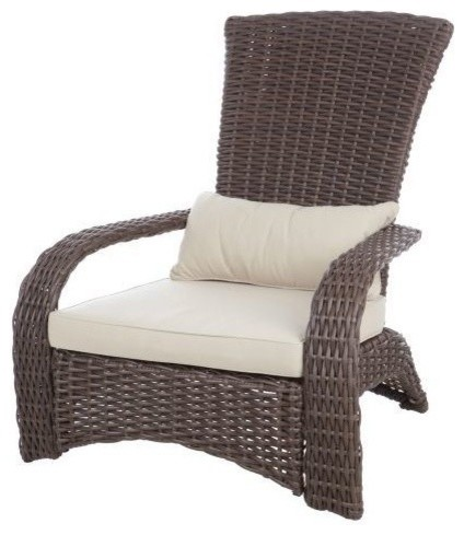 Deluxe Coconino Wicker Chair.